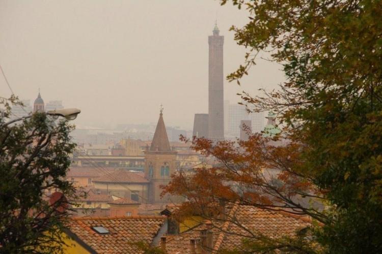 bologna nebbia